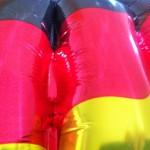 debattiersalon: Deutschlandfahne, schwarz-rot-gold,Marion Kraske @2014